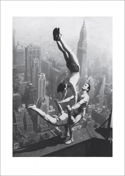 Kunstdruck Drei Akrobaten drucken am Empire State
